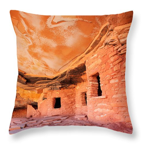 America Throw Pillow featuring the photograph Canyon Ruins by Inge Johnsson
