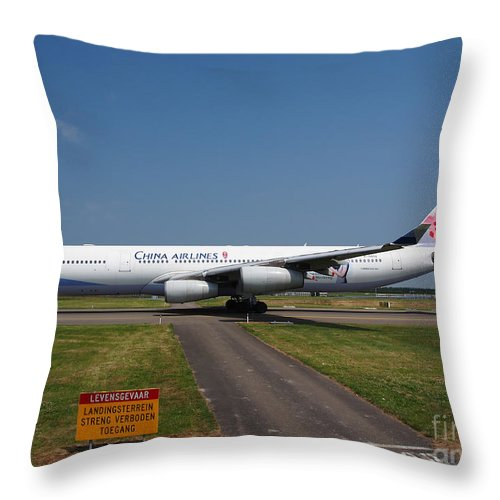 737 Throw Pillow featuring the photograph China Airlines Airbus A340 by Paul Fearn