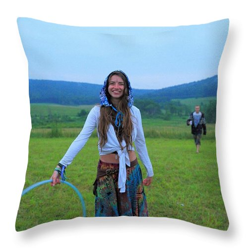 Hooping Rw2k14 Throw Pillow featuring the photograph Hooping Rw2k14 by PJQandFriends Photography