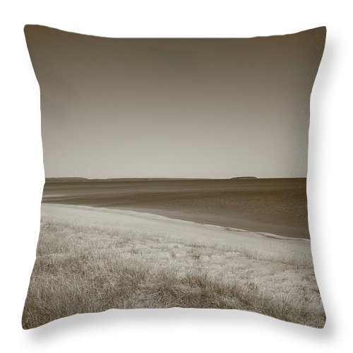 America Throw Pillow featuring the photograph Lake Superior by Frank Romeo