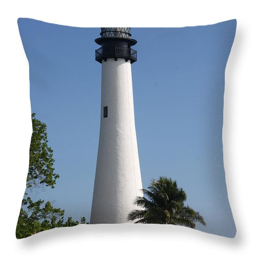 Ligthouse Throw Pillow featuring the photograph Ligthouse - Key Biscayne by Christiane Schulze Art And Photography