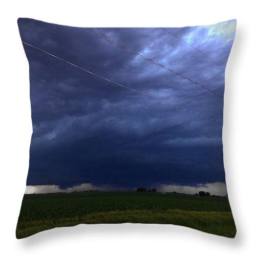 Stormscape Throw Pillow featuring the photograph Stong Nebraska Supercells by NebraskaSC