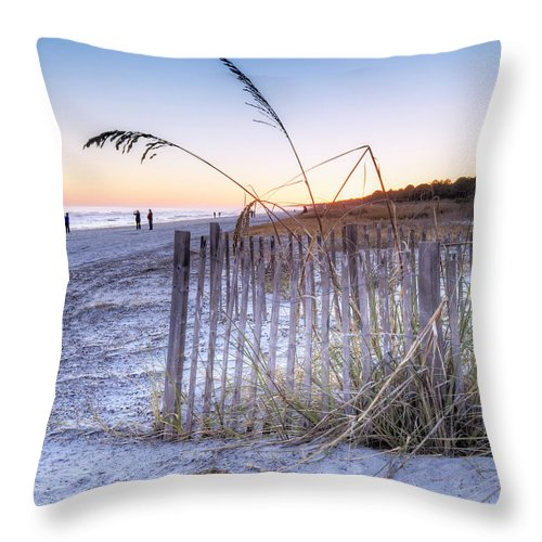 Atlantic Ocean Throw Pillow featuring the photograph Taking Pictures by Phill Doherty