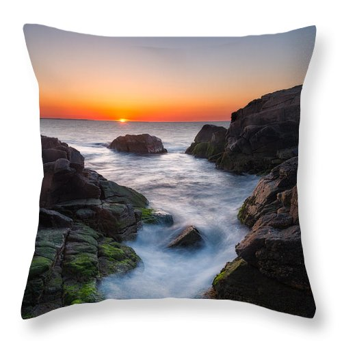 Coast Throw Pillow featuring the photograph Tic Tac Toe by Michael Blanchette