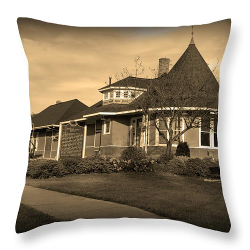 Witch's Hat Railroad Depot Throw Pillow featuring the photograph Witch's Hat Railroad Depot by Paul Cannon