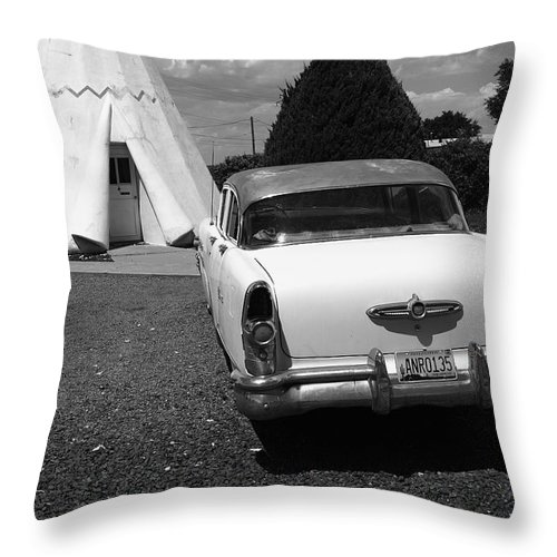 66 Throw Pillow featuring the photograph Route 66 Wigwam Motel And Classic Car by Frank Romeo