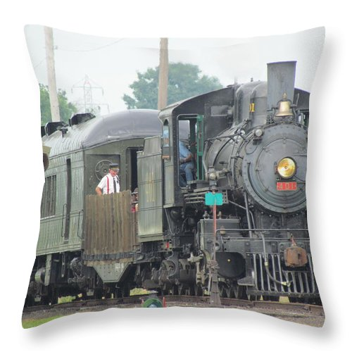 Train Throw Pillow featuring the photograph 401 by Eric Noa