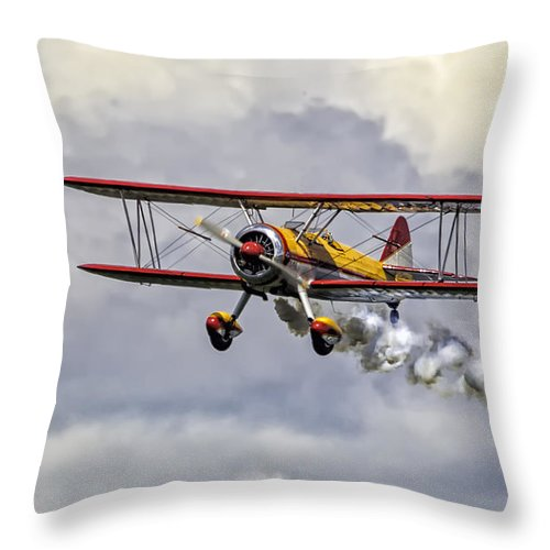 Aircraft Throw Pillow featuring the photograph 450 Hp Stearman by Jerry Fornarotto