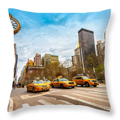 Street Throw Pillow featuring the photograph New York City by Luciano Mortula
