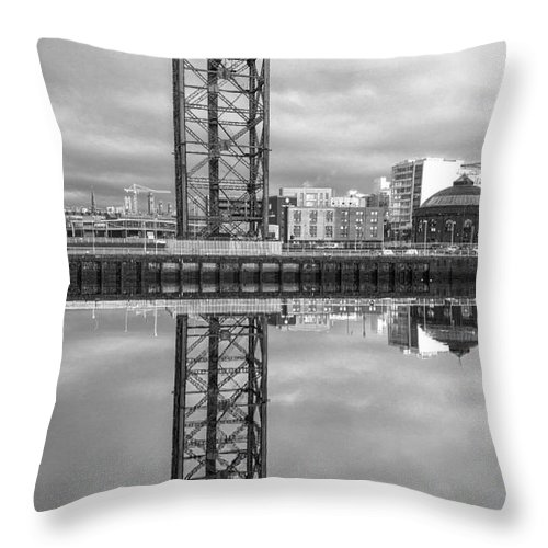 Glasgow Regenerated Throw Pillow featuring the photograph Finnieston Crane Glasgow by John Farnan