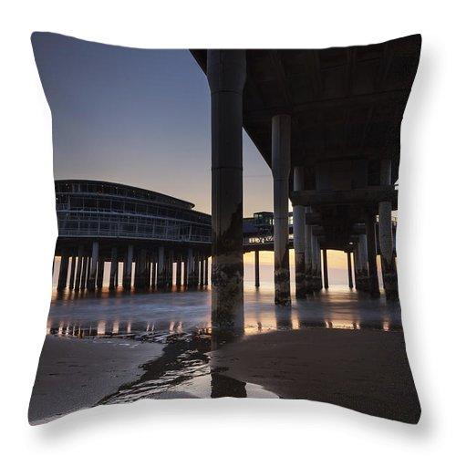 Scheveningen Throw Pillow featuring the photograph Scheveningen by Joana Kruse