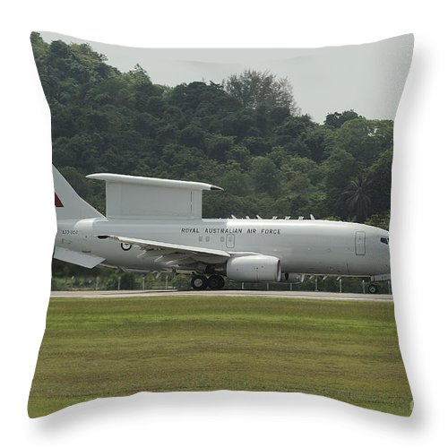 Horizontal Throw Pillow featuring the photograph A Boeing E-7a Wedgetail Of The Royal by Remo Guidi