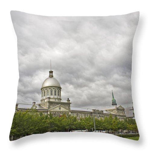 Bonsecours Market Throw Pillow featuring the photograph A Bonsecours Day by Hany J