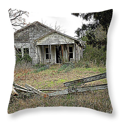 Abandoned Homeplace Throw Pillow featuring the photograph Abandoned Property by Kathy White