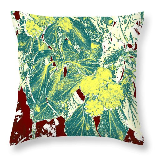 Abstract Throw Pillow featuring the photograph Afn6 by J Andrel