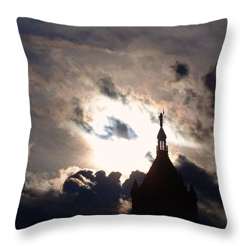 Utah Throw Pillow featuring the photograph After The Rain by Rona Black