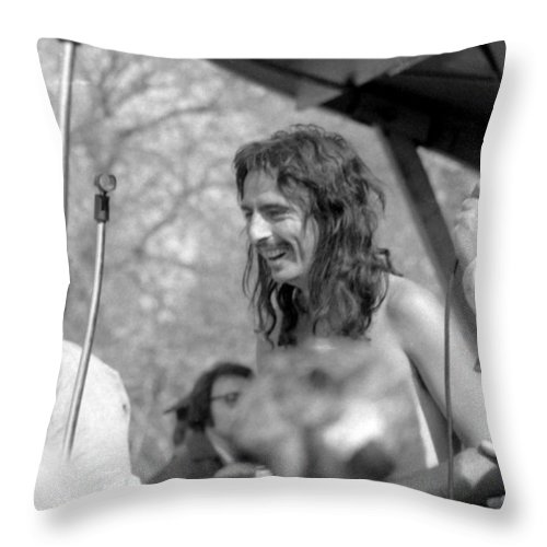 Alice Cooper Throw Pillow featuring the photograph Alice Cooper by Steven Huszar