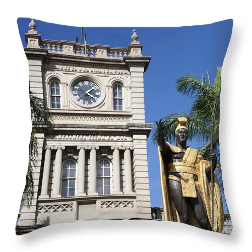 Aliiolani Throw Pillow featuring the photograph Aliiolani Hale And Kamehameha by Brandon Tabiolo