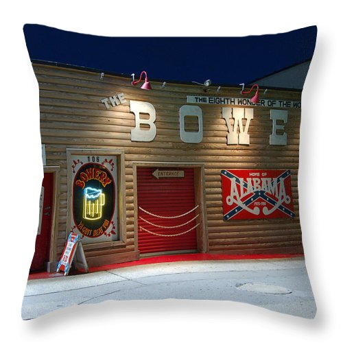 Americana Throw Pillow featuring the photograph Americana Series - The Eighth Wonder Of The World by Suzanne Gaff