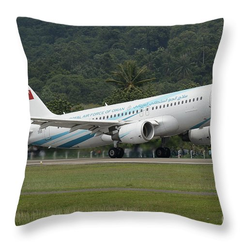 Horizontal Throw Pillow featuring the photograph An Airbus A320 Of The Royal Air Force by Remo Guidi