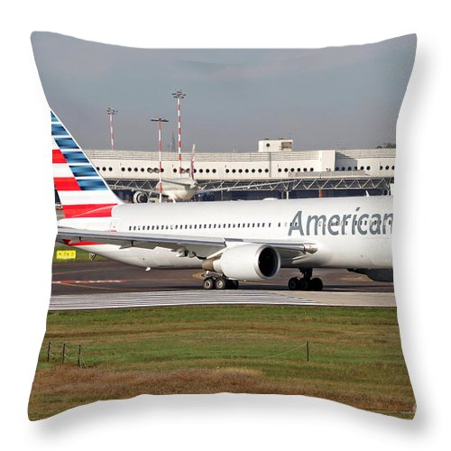 Paint Scheme Throw Pillow featuring the photograph An American Airlines Boeing 767 by Luca Nicolotti