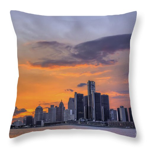 Evening Throw Pillow featuring the photograph An Evening In Detroit Michigan by Tim Wilson
