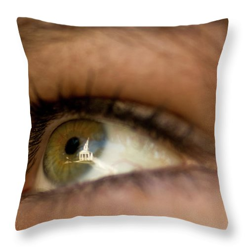 Eye Throw Pillow featuring the photograph An Eye For Beauty by Paul Mangold