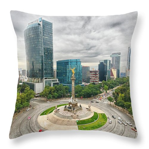 Mexico City Throw Pillow featuring the photograph Angel Of Independence, Mexico City by Sergio Mendoza Hochmann