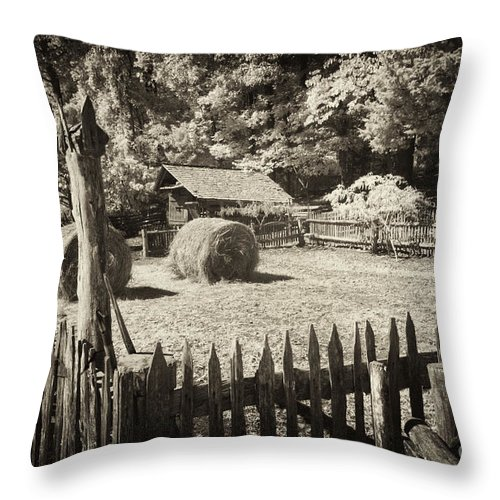 Appalachians Throw Pillow featuring the photograph Appalachian Barnyard by Paul W Faust - Impressions of Light