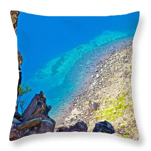 Aquamarine Shoreline At North Junction Of Crater Lake In Crater Lake National Park Throw Pillow featuring the photograph Aquamarine Shoreline At North Junction Of Crater Lake In Crater Lake National Park-oregon by Ruth Hager