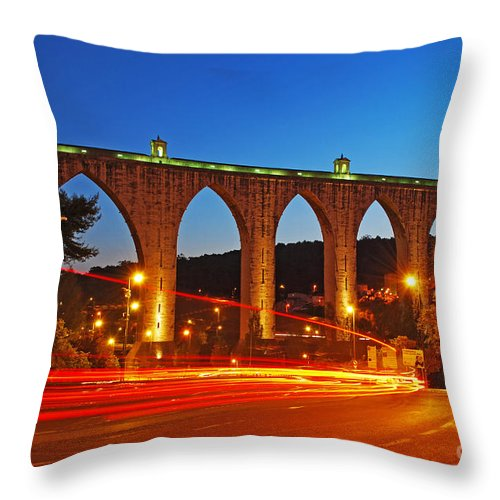 18th Throw Pillow featuring the photograph Aqueduct Of The Free Waters by Luis Alvarenga