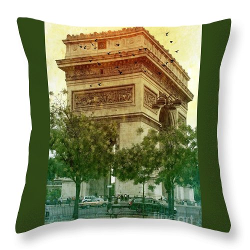 Arche De Triomphe Throw Pillow featuring the photograph Arche De Triomphe Mood by Carol Groenen