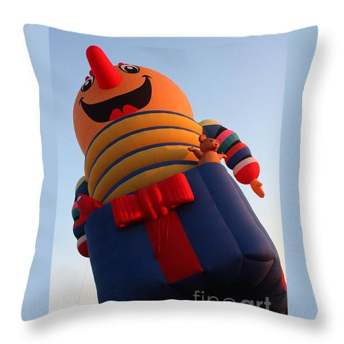 Hot Air Balloons Throw Pillow featuring the photograph Balloon-jack-7660 by Gary Gingrich Galleries