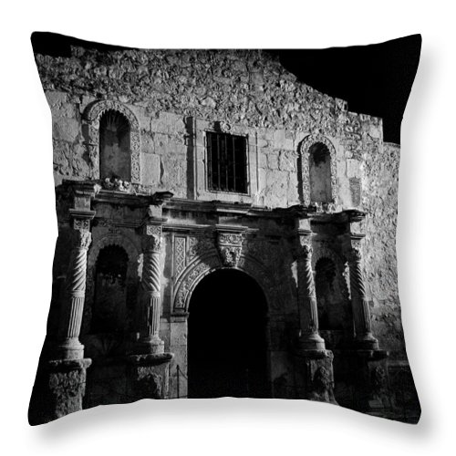 The Alamo Throw Pillow featuring the photograph Bastion Of Legends by Mountain Dreams