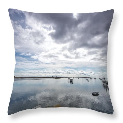 Horizontal Throw Pillow featuring the photograph Bay Area Boats II by Jon Glaser