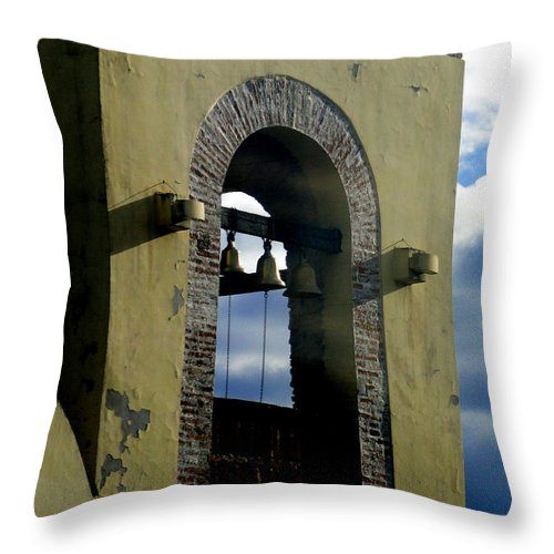 El Vergel Throw Pillow featuring the photograph Beauty Of The Bells by Al Bourassa