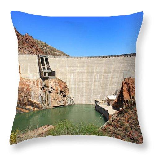 Arizona Throw Pillow featuring the photograph Below The Dam by Elizabeth Cernik