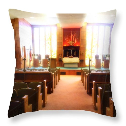Synagogue Throw Pillow featuring the photograph Beth El Jacob Temple In Des Moines by Doc Braham