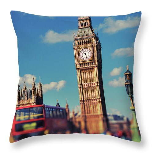 Clock Tower Throw Pillow featuring the photograph Big Ben And Commuter Traffic by Doug Armand