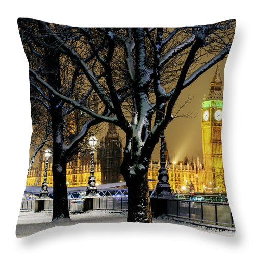 Tranquility Throw Pillow featuring the photograph Big Ben And Houses Of Parliament In Snow by Shomos Uddin