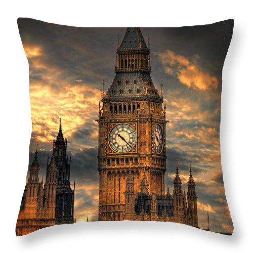 Big Ben Throw Pillow featuring the photograph Big Ben by Jill Battaglia