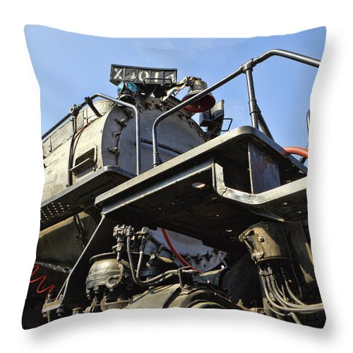 Big Boy Locomotive 4014 Throw Pillow featuring the photograph Big Boy 4014 - 3 by Tommy Anderson