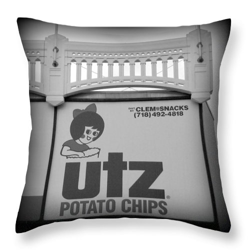 Yankees Throw Pillow featuring the photograph Black And White Utz Sign by Aurelio Zucco