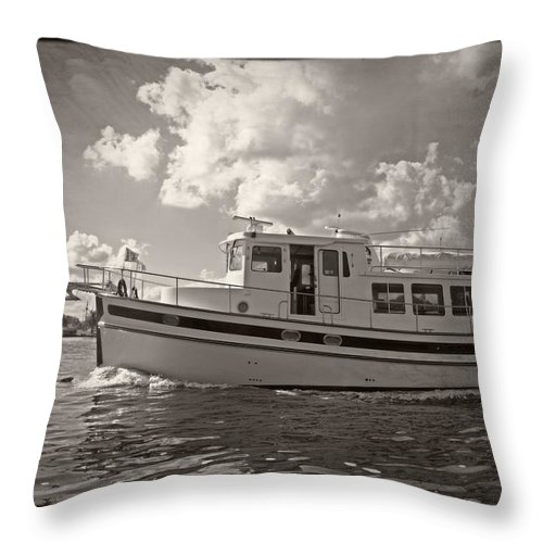 Boat Throw Pillow featuring the photograph Boat On The Water by Alice Gipson