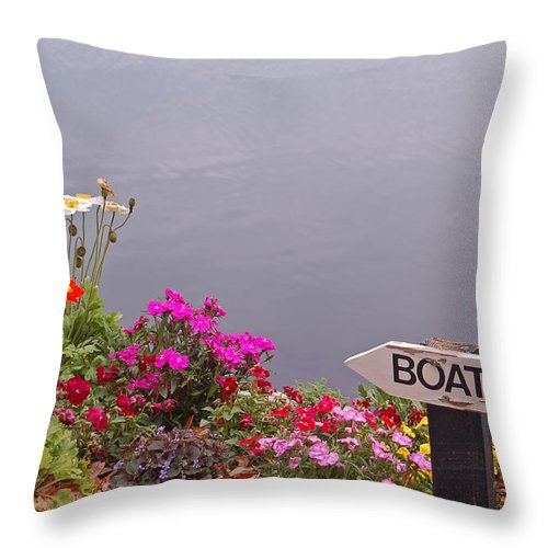 Boat Throw Pillow featuring the photograph Boat by Suzanne Gaff