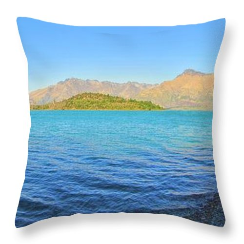 Cove Throw Pillow featuring the photograph Bob's Cove by C H Apperson