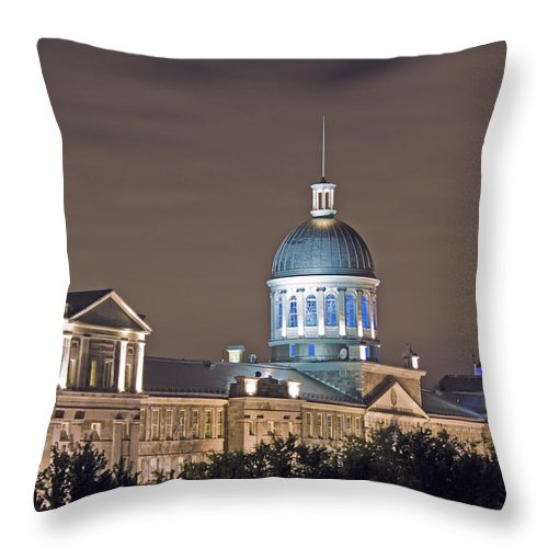 Bonsecours Market Throw Pillow featuring the photograph Bonsecours At Night by Hany J
