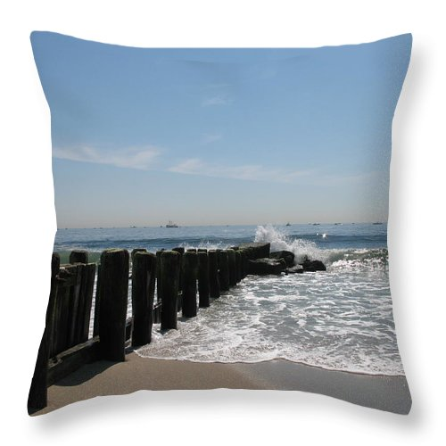 Breakwater Throw Pillow featuring the photograph Breakwater II by Christiane Schulze Art And Photography