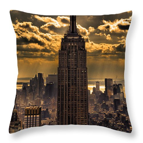 Empire State Building Throw Pillow featuring the photograph Brilliant But Hazy Manhattan Day by John Farnan