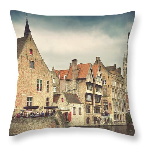 Tranquility Throw Pillow featuring the photograph Brugge by Ellen Van Bodegom